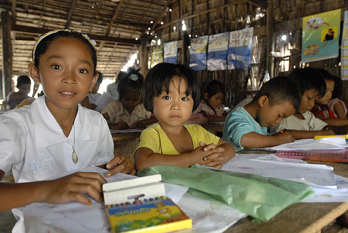 Le BICE et ses partenaires favorisent l'accès à l'éducation pour les enfants vulnérables. © I. Lesser - BICE