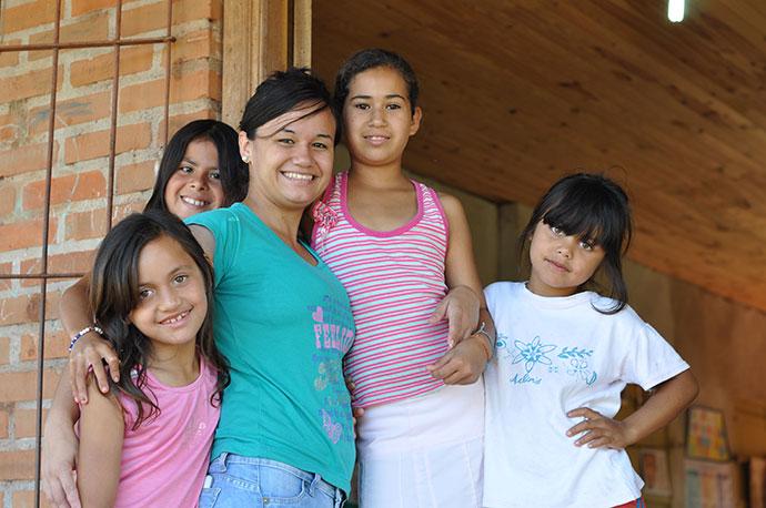 Enfants soutenus par le BICE en Argentine - © Silvia Vincitorio