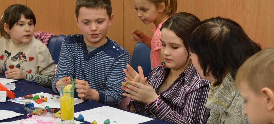 Soutenir les enfants déplacés par le conflit en Ukraine