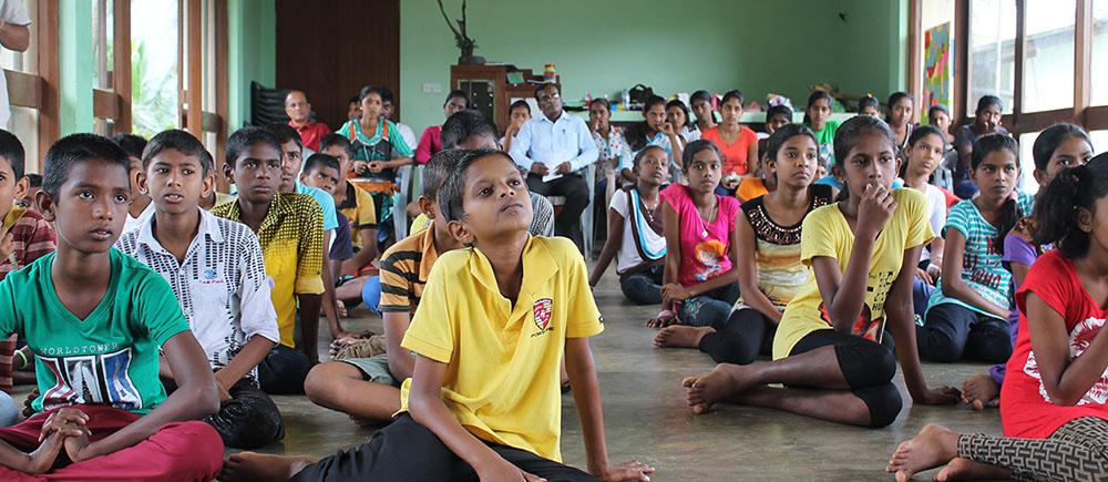 Sri Lanka : velar por la educación de los niños en las plantaciones de té