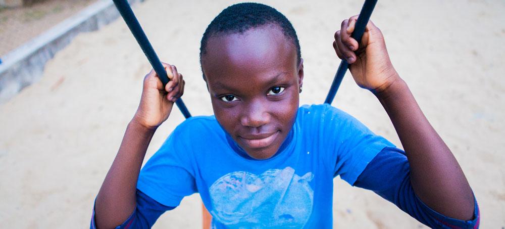 Redonner le goût du jeu aux enfants victimes d'abus et de traite