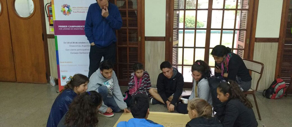 Young people commit themselves to promote well treatment in Latin America