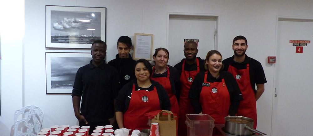 Les équipes Starbucks lors du festival
