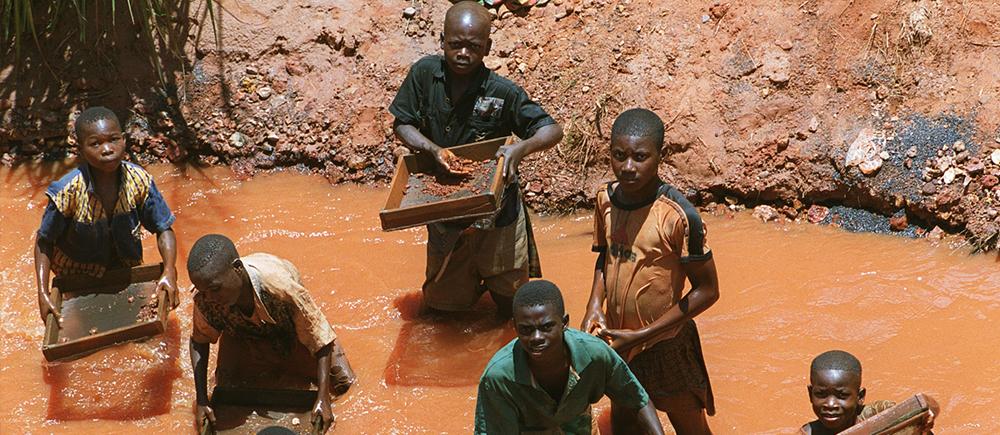 Enfants travailleurs : comment leur garantir l'accès à l'éducation