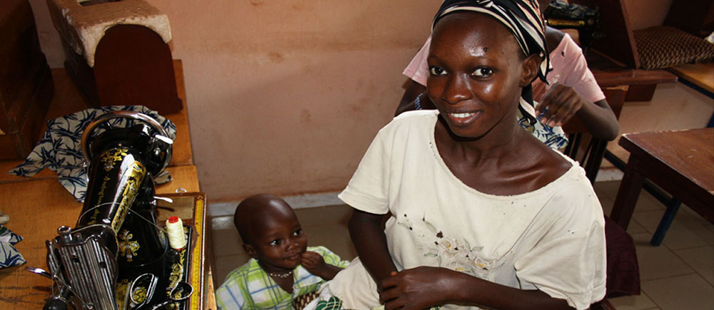 Une seconde chance pour les jeunes filles mères de Bamako