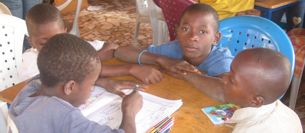 Mali : 2 millions d'enfants déscolarisés de force - BICE ONG protection des enfants
