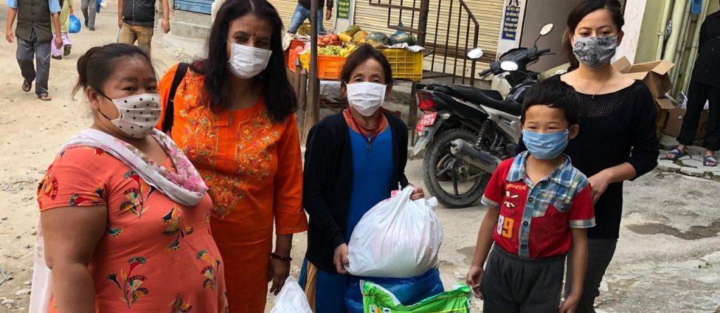Distributions alimentaires Népal